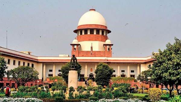 SC ने केरल सरकार को दी 11वीं कक्षा की परीक्षा ऑफलाइन करवाने की अनुमति
