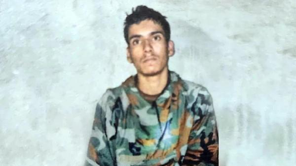 उरी में पकड़े आतंकी ने खोली पाकिस्तान की पोल, कैमरे पर बताई ISI की काली  करतूतें   Captured Pak teen Ali Babar Says Handlers Gave Him 20,000 rupees  Lashkar e Taiba Pakistan