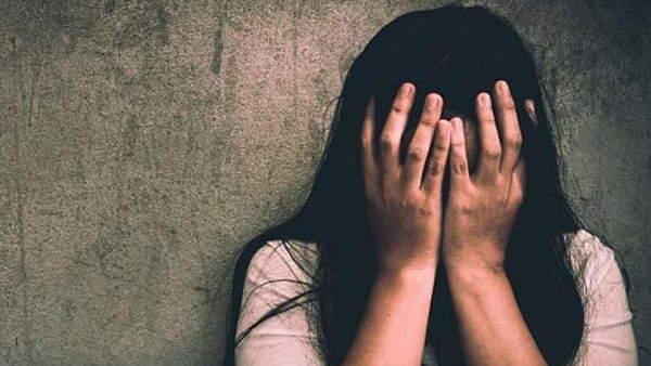 महाराष्ट्र: वीडियो वायरल करने की धमकी दे 29 लोगों ने 9 महीनों तक नाबालिग से किया गैंगरेप