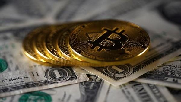 बंपर कमाई: 9 साल पहले खरीदे थे ₹6 लाख के Bitcoin, अब 216 करोड़ में बिके