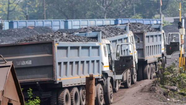 रिकॉर्ड उत्पादन के बावजूद कोयले की किल्लत का सामना क्यों कर रहा है देश?