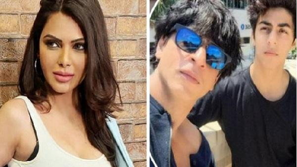 अब शर्लिन चोपड़ा के निशाने पर शाहरुख खान, कहा- 'KKR की पार्टी में मैं देखा था नशीला...'   Sherlyn Chopra claims to have seen the wives of stars snorting white powder in