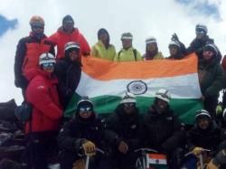 मिर्जापुर की बेटी ने 18000 फीट की ऊंची चोटी पर फहराया तिरंगा