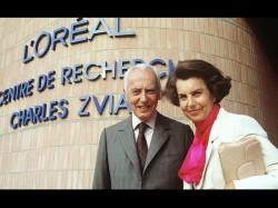 दुनिया की सबसे अमीर महिला का निधन, छोड़...