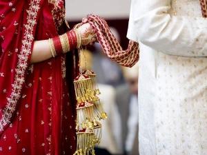 5 दशकों तक लिवइन रिलेशनशिप में रहने के बाद की शादी
