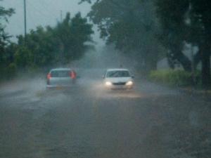 बेंगलुरु में फिर शुरू हुई मूसलाधार बारिश, जनजीवन अस्तव्यस्त