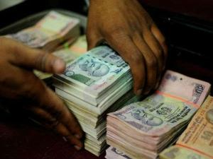 काले धन पर यूपीए के दौर की रिपोर्ट्स खंगाल रही मोदी सरकार