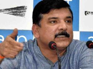 AAP में इस्तीफों का दौर, पंजाब प्रभारी संजय सिंह ने केजरीवाल को सौंपा इस्तीफा