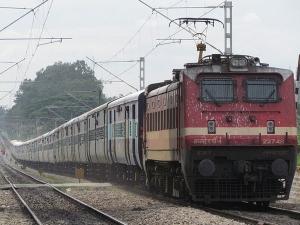 रेलवे अब बनाएगा हाई-स्पीड से चलने वाली माल गाड़ियां!