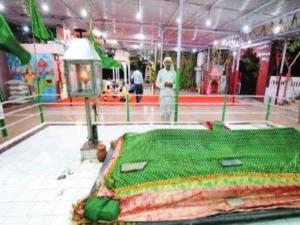 वो जगह जहां एक ही छत के नीचे होती है नमाज और मंदिर में पूजा