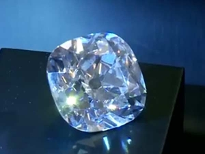 हीरा केवल रूप नहीं संवारता बल्कि हेल्थ का भी रखता है ख्याल