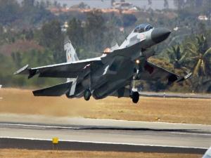 लापता सुखोई-30 विमान का ब्लैक बॉक्स मिला, पायलटों की तलाश जारी