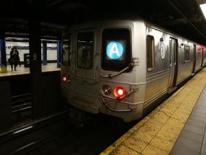 मेट्रो स्टेशनों पर इन जगहों पर रखी जाती हैं लाशें, जानें से पहले रहें सावधान