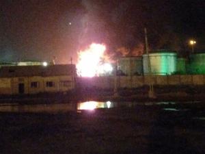 गुजरात के कांडला पोर्ट में स्टोरेज टैंक के पास आग लगी