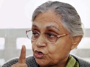 शीला दीक्षित ने केजरीवाल पर साधा निशाना, कहा- दिल्ली के कुछ नौकरशाह ज्यादा ही काबिल