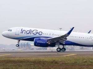 घरेलू हवाई यात्रियों का नया रिकॉर्ड, अक्टूबर में 1.04 Cr यात्रियों ने भरी उड़ान