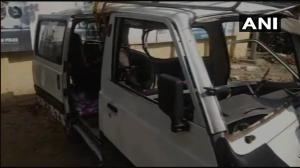 स्कूली  बच्चों से भरी वैन टेंपो से टकराई, 18  बच्चे घायल, एक की मौत