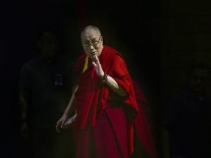 पीएम मोदी और चीनी राष्ट्रपति की मुलाकात से क्यों फूले नहीं समा रहे हैं तिब्बती धर्मगुरु दलाई लामा