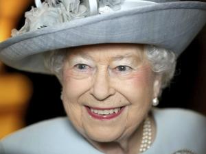92 की उम्र, 65 साल से महारानी,  30 पालतू कुत्ते, जानिए क्वीन एलिजाबेथ के बारे में कुछ अनकहीं बातें