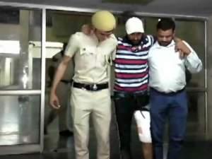 दिल्ली: दिल्ली में वांटेड अपराधी और पुलिस के बीच एनकाउंटर