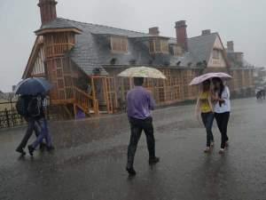दिल्ली में हो सकती है बारिश, हिमाचल में Yellow Alert जारी