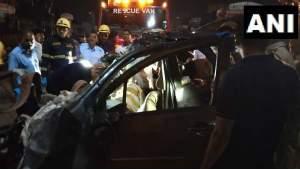 पुणे में ट्रक और कार की भीषण टक्कर, 9  लोगों की मौत