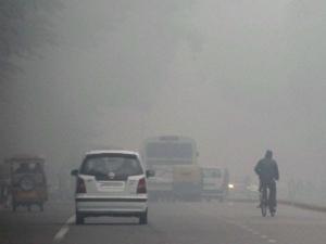 ठंड की आगोश में दिल्ली: 5 सालों में सबसे सर्द सोमवार