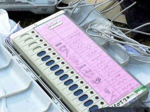 बहुत जल्द प्रवासी भारतीय भी दे सकेंगे भारत में वोट