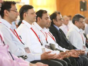 श्रीश्री रविशंकर ने कॉर्पोरेट जगत को जोड़ा आध्यात्म से
