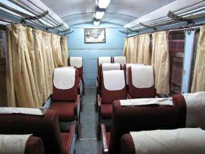 अब ट्रेन में मनाएं हनीमून, रेलवे करेगी खास इंतजाम!