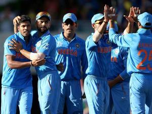 भारत की हार से नाराज किसी ने टीवी तोड़ा तो किसी ने काटी जीभ
