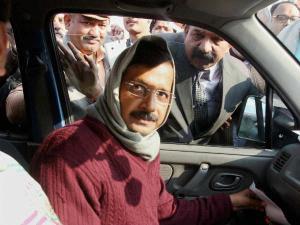 दिल्ली में अनधिकृत कॉलोनियों को नियमित करेगी आप