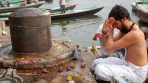 Shravan 2019:  शिव को मनाने के लिए सोमवार को कैसे करें पूजन