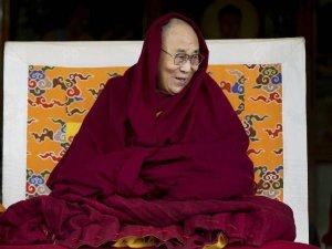 कौन हैं दलाई लामा और क्या है 62 की जंग से उनका कनेक्शन