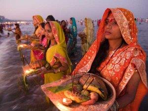 Chhath Pooja 2017: छठ पर्व की कथा एवं पूजन विधि