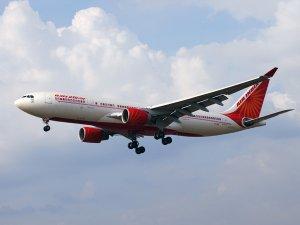 एयर इंडिया की फ्लाइट से टकराया पक्षी, गुवाहाटी में लैंडिंग