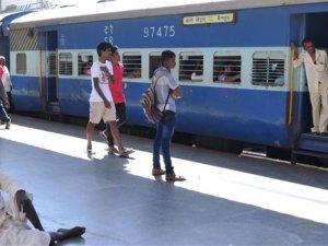 वेटिंग टिकट वालों के लिए क्या है रेलवे की नई सुविधा 'VIKALP'
