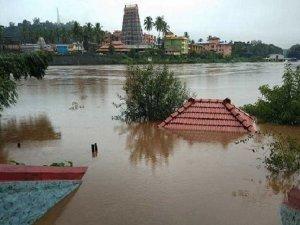 कर्नाटक में बाढ़ जैसे हालात, 6 की मौत, हजारों घर बर्बाद