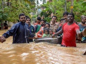 तस्वीरों में देखिए, केरल में बाढ़ ने कैसे मचाई भयानक तबाही