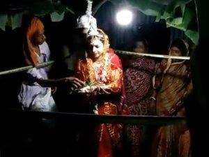 बंगाली लड़के से कनाडाई लड़की ने रचाई शादी