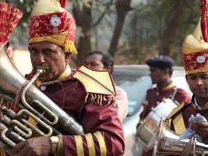 मध्य प्रदेश: रिजल्ट से पहले ही इन नेताओं ने बुक कराए बैंड