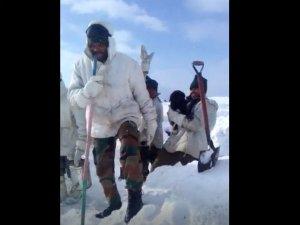 Video: पाक सिंगर के गाने 'हवा हवा' पर डांस करते भारतीय जवान