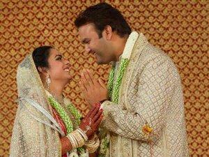 ईशा अंबानी की शादी में पहुंचा पूरा बॉलीवुड, देखें तस्वीरें