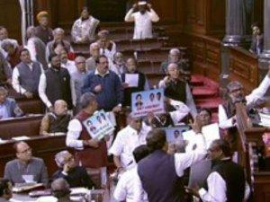 संसद में हंगामा, BJP के नारे- 'राहुल गांधी माफी मांगो'