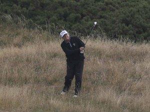 वीडियो गेम की तरह व्हाइट हाउस में गोल्फ खेलते हैं ट्रंप