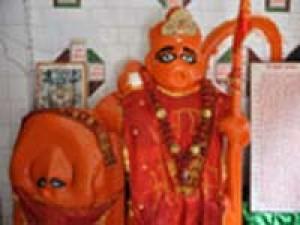 धोपेश्वरनाथः अंगरेजों ने लगाई थी हनुमान प्रतिमा