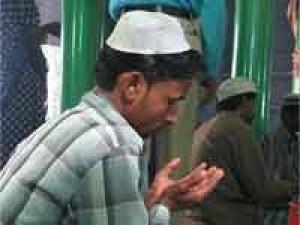 फतवों को दरकिनार करता मुस्लिम युवा