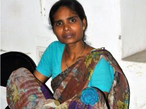 पति की हत्या कर पत्नी ने लाश को गाड़ा, ऊपर से बनवा दिया टॉयलेट