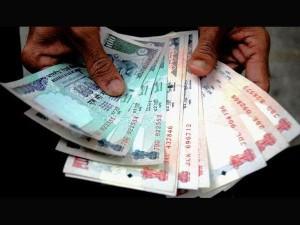 OMG! बैंक का पंखा ON करते ही गायब हो गए 1 लाख रुपए