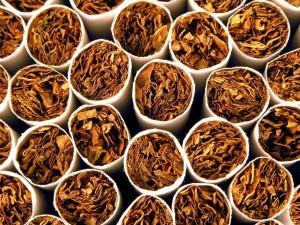पत्नी से तंबाकू खाने को छोड़ने को कहा तो पति को ही छोड़ दिया